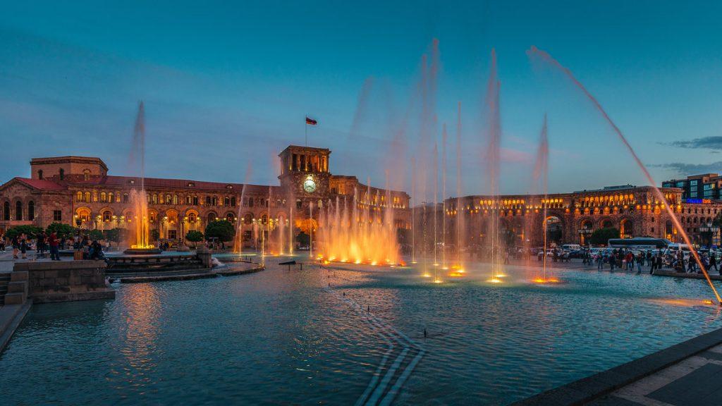 Yerevan – piazza della repubblica – armenia – eurasian.travel