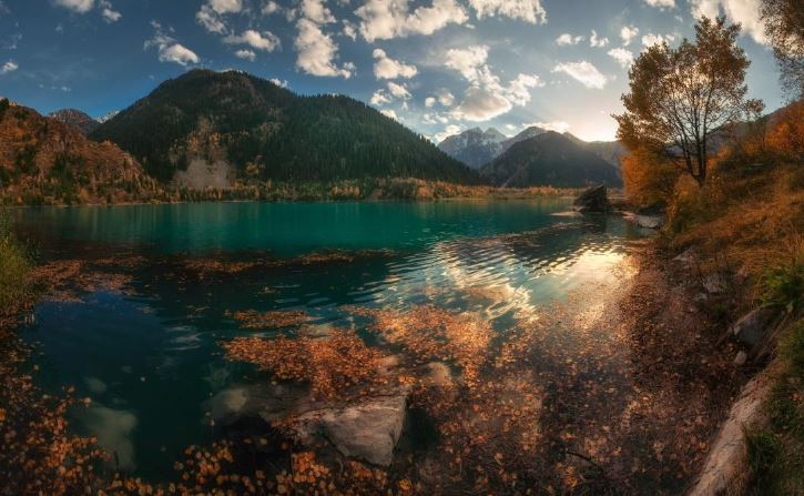 Grande lago Almaty-kazakistan-visita Almaty