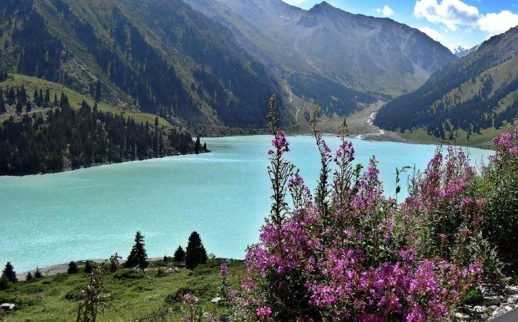 Lago Almaty-kazakistan-viaggio in Kazakistan