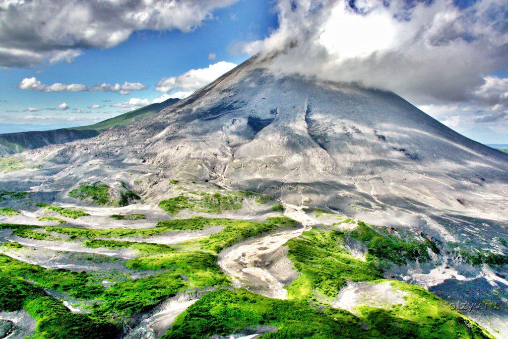 Stratovulcano Avačinskij-kamcatka-eurasiantravel kamcatka-vieni a scoprire la kamcatka con noi