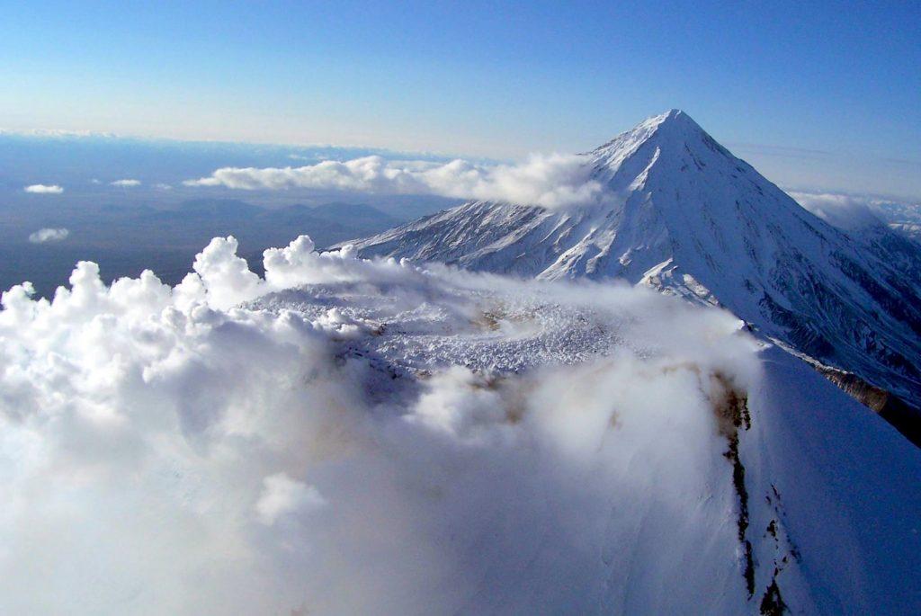 L'Avačinskij: vulcano attivo della penisola della Kamchatka