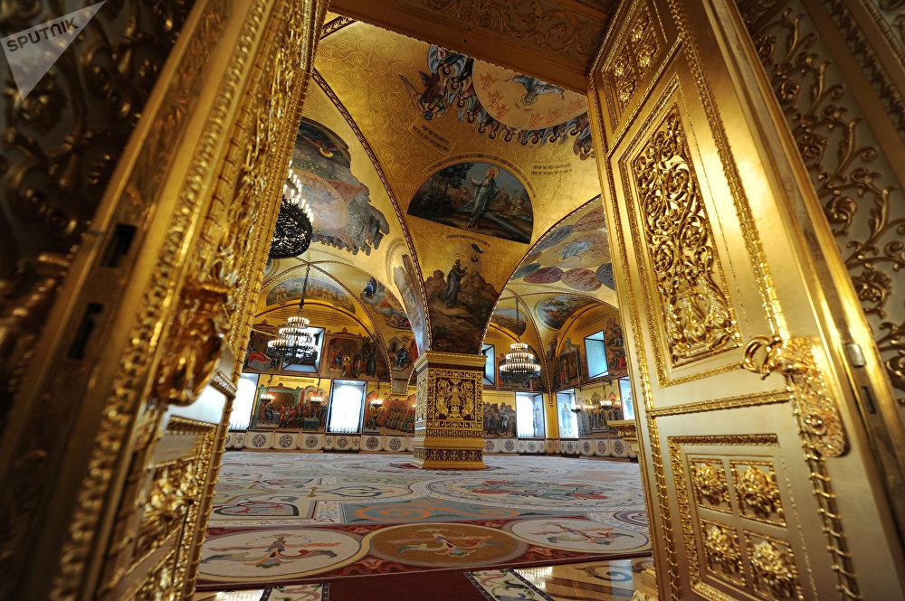 Una sala del museo del Cremlino a Mosca