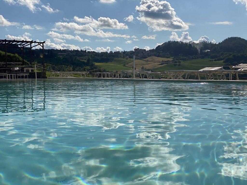 palazzoloup piscina viaggi estate vacanze appennino